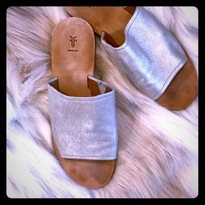 Frye Metallic Robin Slide